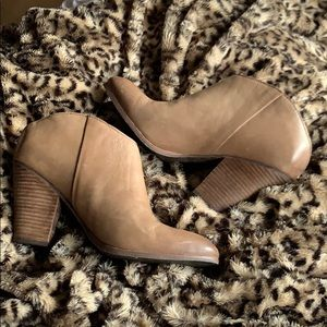 Dolce Vita Booties . Size 10